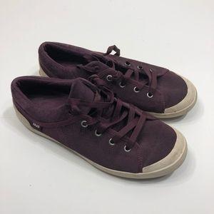 "Teva ""Freewheel"" Purple Corduroy Sneakers Size 9.5"